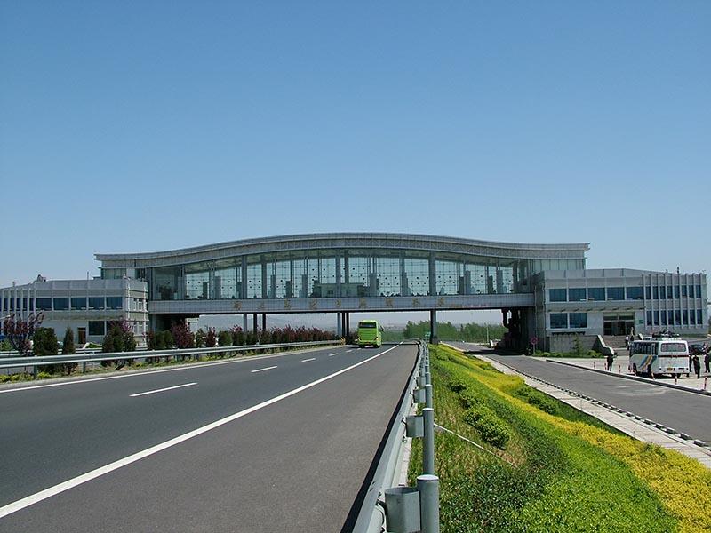 同三高速服务区-公共建筑-山东锦华建设集团有限公司